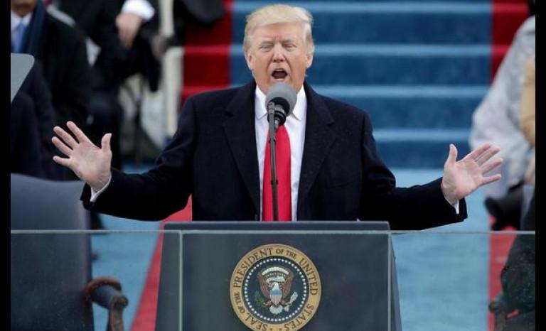Donald Trump asume