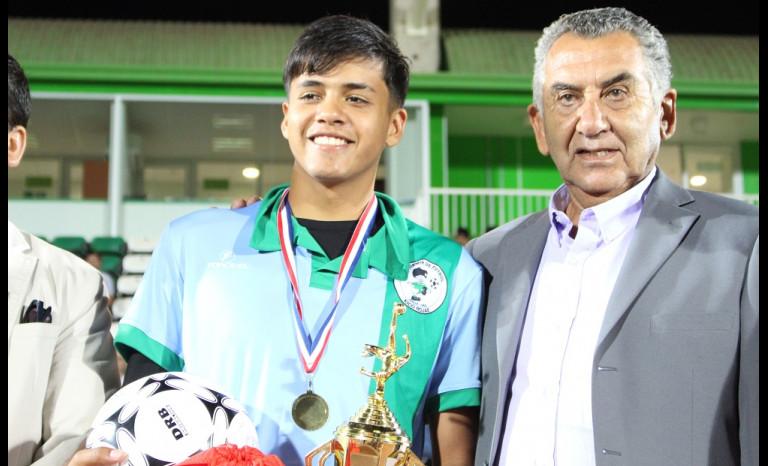 Rodrigo Dubó fue condecorado como el mejor jugador del torneo.