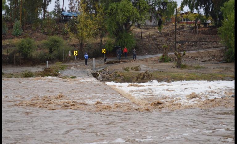 Las fuertes lluvias afectaron a la zona y dejaron a limarinos con una serie de dificultades.