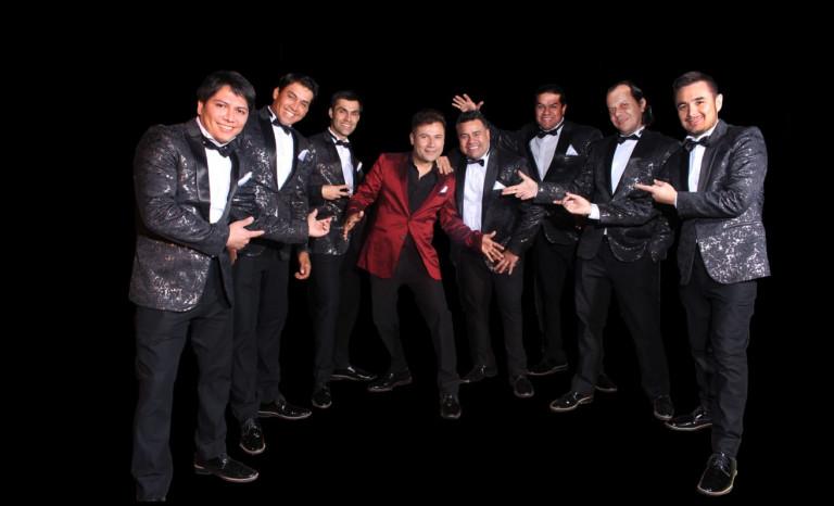 El Grupo Alegría se encumbra en los 23 años de carrera artística plagada de éxitos. Desde el 2017 su vocalista es Gabriel Suárez.