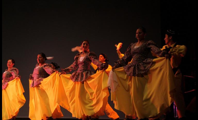 La danza y el folclore conquistaron el TMO