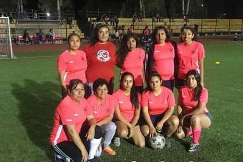 Jugadoras de Cruz Blanca de Combarbala, campeonas del torneo comunal de fútbol 8