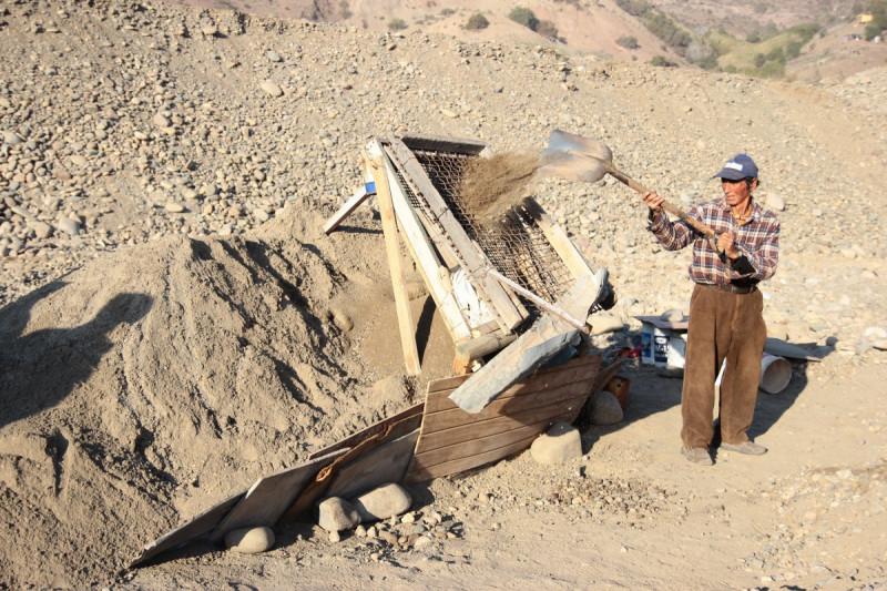 Pequeños productores piden fiscalizaciones tras sobreexplotación de áridos