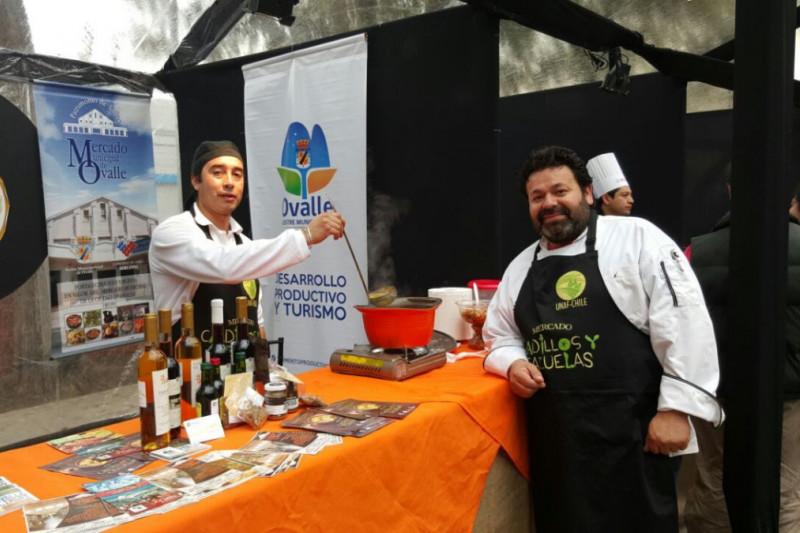 Chefs limarinos encantan a maulinos
