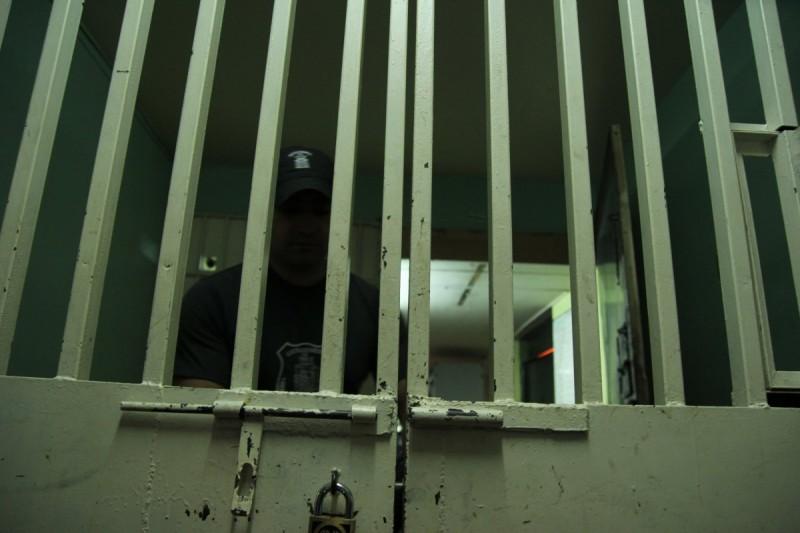 Familia se enfrenta a delincuentes que intentan robar su vivienda