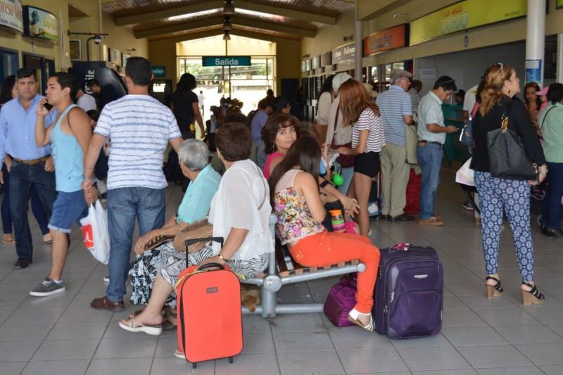 El autocuidado que se debe tener al viajar en buses y terminales en estas vacaciones