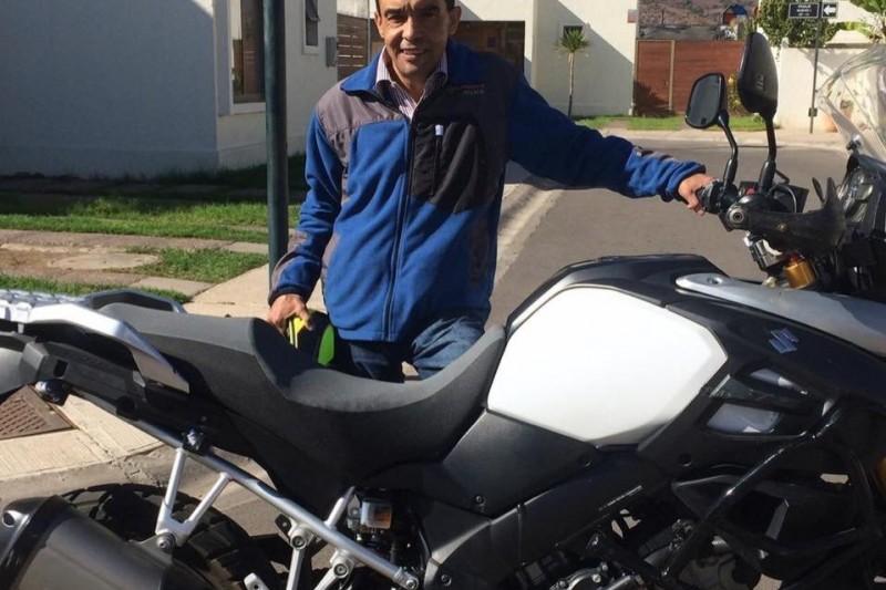 Fallece reconocido empresario tras sufrir descompensación cuando manejaba su moto