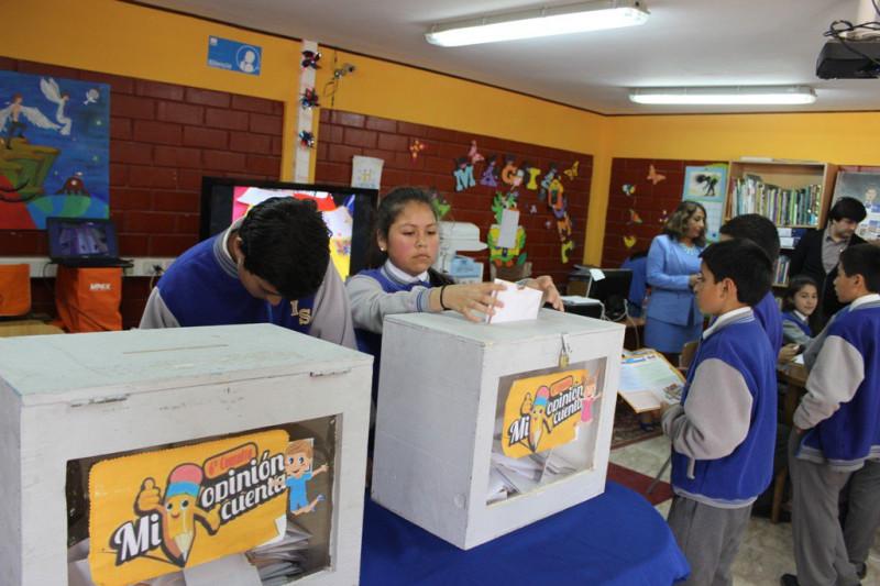 Estudiantes opinan sobre derechos de la infancia