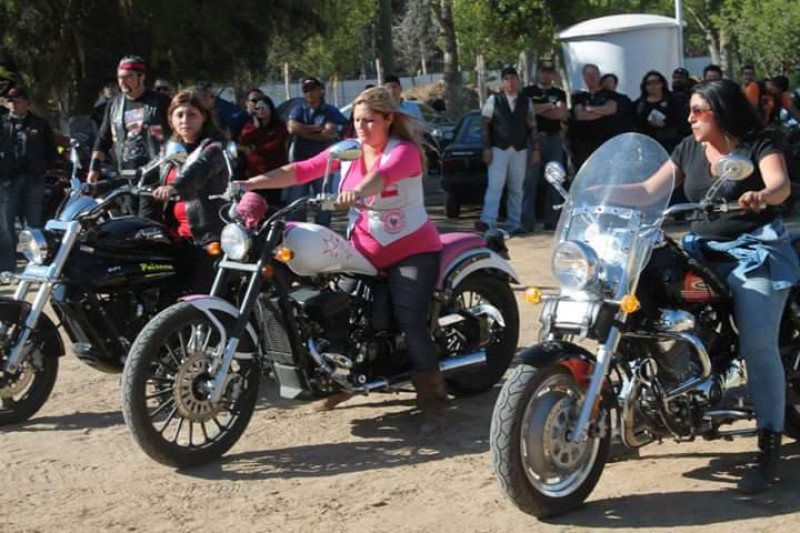 Motoqueros celebran su día