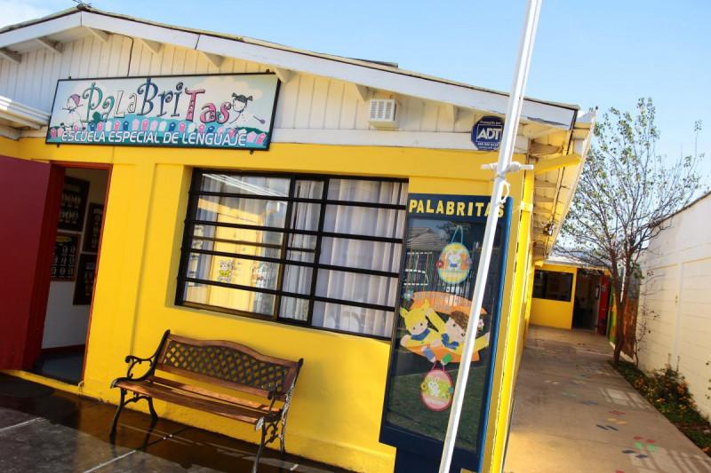 Delincuentes se hacen pasar por apoderados  para robar en recinto educacional especial