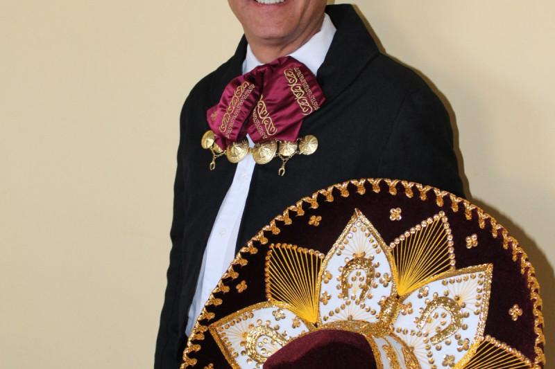 """""""Mariachi"""" limarino lanza serie de discos"""