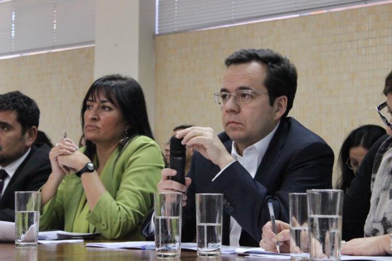 Medidas propuestas por ministro no calman a los afectados por crisis económica