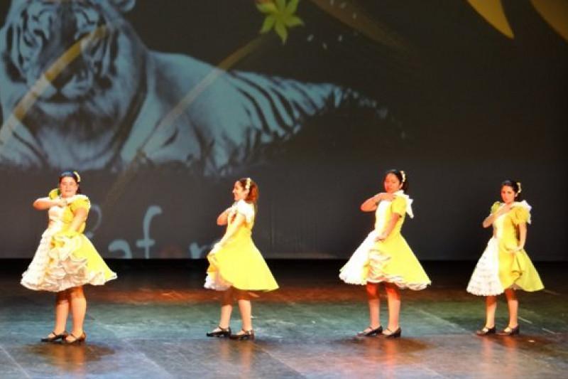 Gala Folclórica deleita en al TMO